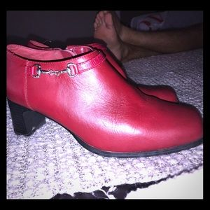 Beautiful red leather ankle booties sz 8-8.5
